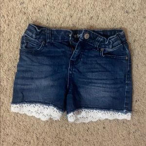 Girls Jean Shorts/Lace